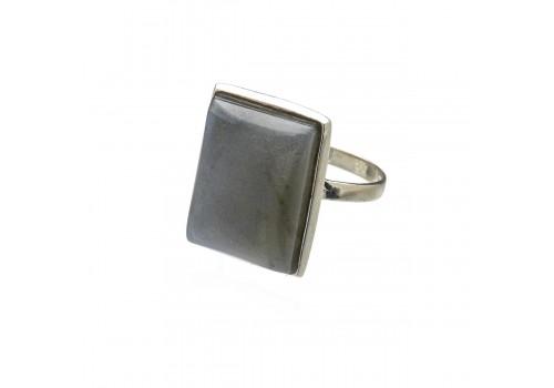 Кольцо из серебра с лабрадором, 19 размер