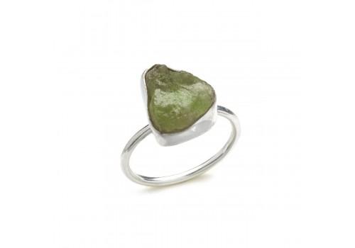 Кольцо из серебра с турмалином верделит, 20 размер