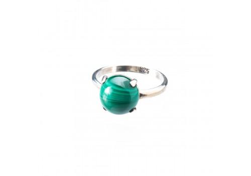 Кольцо из серебра с натуральным малахитом