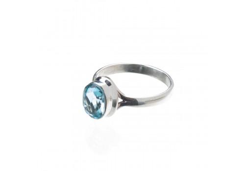 Кольцо из голубого топаза