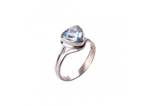 Кольцо с голубым топазом из серебра
