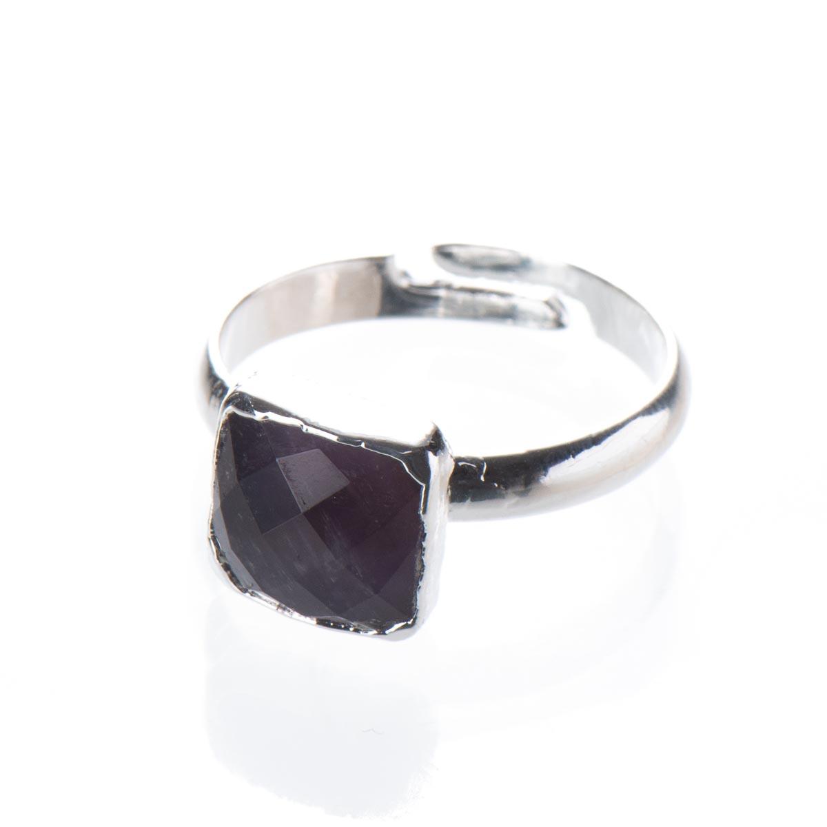 Кольцо с аметистом, безразмерное