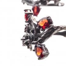 Комплект украшений с натуральным гранатом из серебра и черного родия